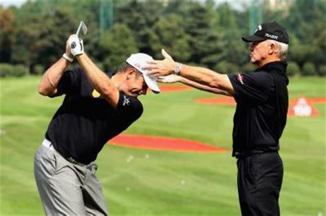 pete cowen swing tips proper shoulder hip rotation in the golf swing golfweek