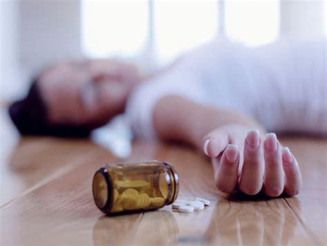 Overdose Pill Detox by Naloxone Reverses Opioid Overdose Saves Lives Health Enews