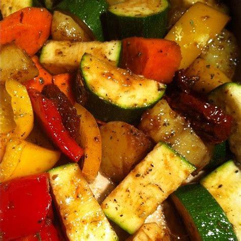 cucinare le zucchine in padella ricetta patate peperoni e zucchine in padella ricette