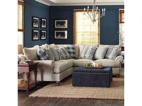 Plantation Furniture Richmond Tx by Best 25 Farmhouse Sofas And Sectionals Ideas On
