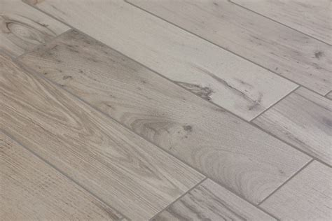 pavimenti finto legno prezzi pavimenti in finto legno piastrelle per casa