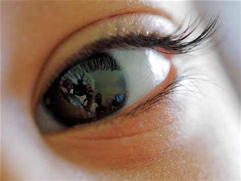 eye with reflection: nmmob: galleries: digital photography