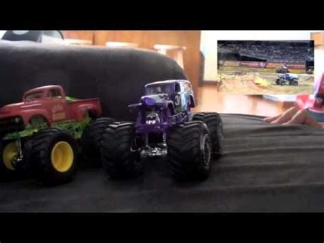 grave digger monster truck videos youtube grave digger monster jam diecast collection monster