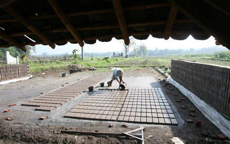 brick scored claw worker burn solo boyolali central