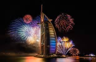 new year plans in dubai stunning ways the world rings in 2015 happy new year