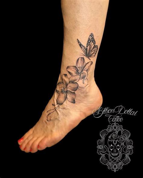 tatuaggio fiori piede tatuaggio sul piede tutto quello c 232 da sapere