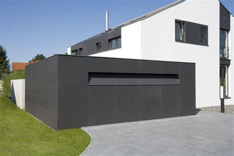 moderne garagen moderne garage mit unsichtbar integriertem tor bauemotion de