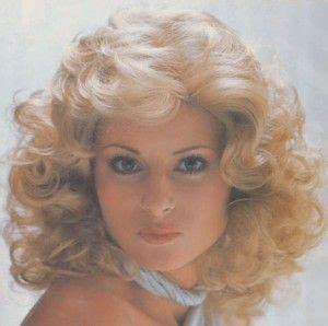 olivia newton john 1980s hairstyles pin by karen mendez on beauty pinterest
