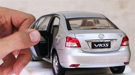 Miniatur Diecast Yaris Skala 1 60 unboxing of toyota vios toyota belta yaris sedan 1 18
