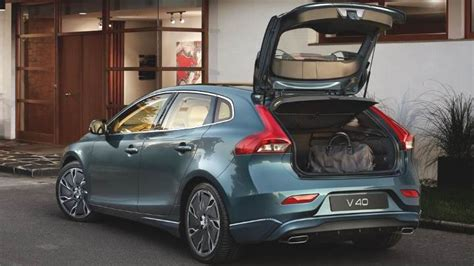 interni volvo v40 volvo v40 2016 dimensions boot space and interior