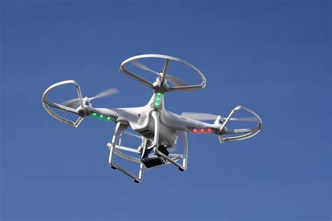 Drone Photo un drone paralyse le trafic a 233 rien 224 duba 239