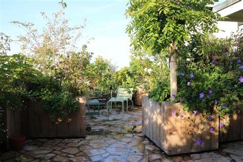Terrasse En Ville by Am 233 Nagement De Terrasse En Ville Par Le Jardinier R 233 My M 233 Rat