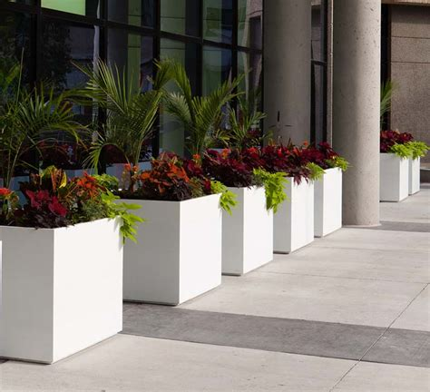 Architectural Planter 10 architectural planters award winning contemporary concrete planters and sculpture by adam