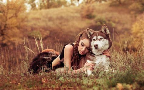wallpaper girl dog non innamorarti mai di una donna che ama i cani la