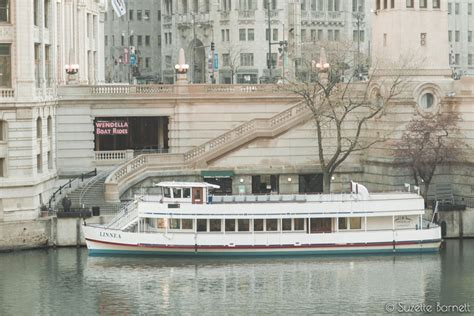 wendella boats bar chicago river and lake michigan tour try something fun