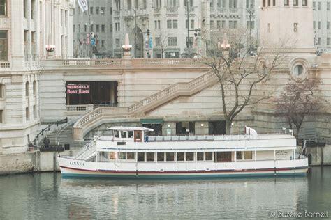 chicago boat rental groupon chicago river and lake michigan tour try something fun