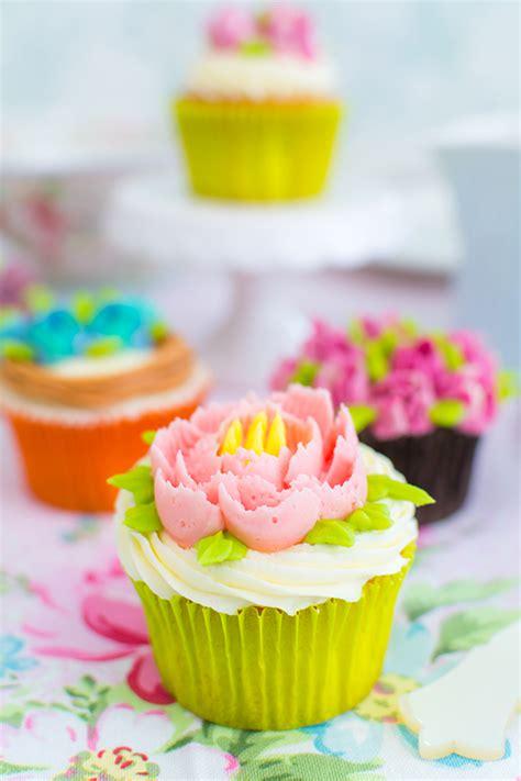 decorar cupcakes v 237 deo tutorial c 243 mo decorar cupcakes con boquillas rusas