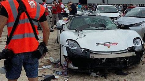 porsche 918 crash porsche 918 spyder spins into crowd 28 injured w video