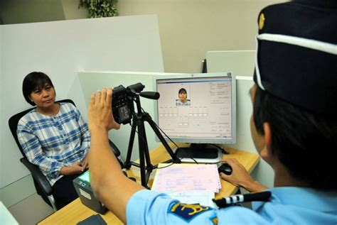 pembuatan paspor online imigrasi tangerang pembuatan paspor di yogyakarta rawan pungli republika online