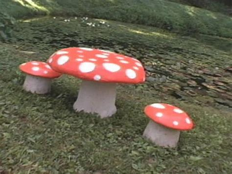 toadstool table  chairs hgtv