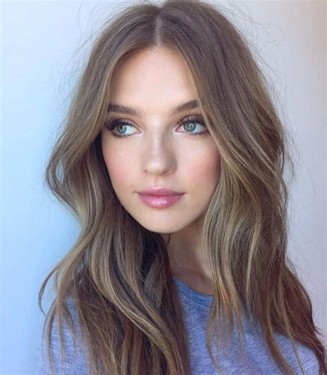 hair parting comes forward 25 best ideas about middle part hairstyles on pinterest