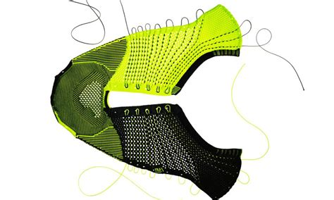 nike fly knit technology a closer look at fly knit technlogy footaction