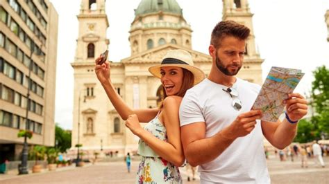 10 Ways To Not Look Like A Tourist Abroad by How To Not Look Like A Tourist 14 Ways That Make It Obvious