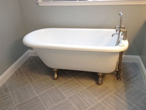 clawfoot bathtub restoration affordable clawfoot tub refinishing the wooden houses