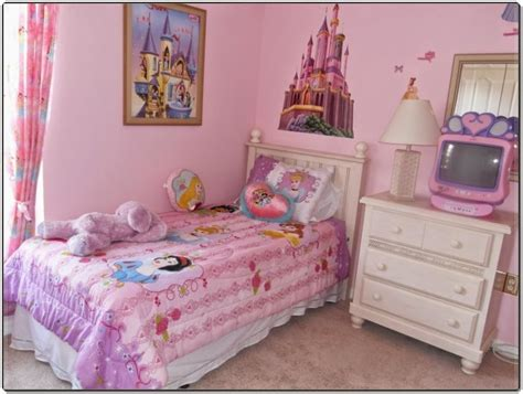 kids bedroom   idea   girl room  princess wallpaper theme  polka dot