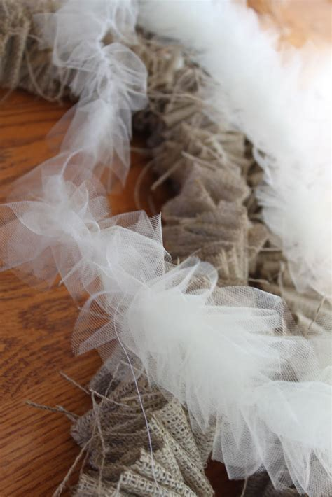 do it yourself divas diy burlap garland and tulle garland