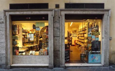 libreria altroquando roma frontage foto de libreria altroquando roma tripadvisor