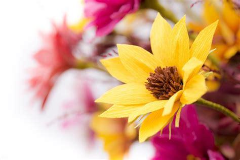 idee bouquet sposa con mimose
