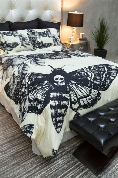 featherweight moth skull bedding black skull death