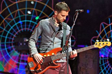 coldplay bassist coldplay light up the air canada centre