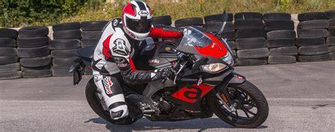 Motorrad 125 Testberichte by 125er Vergleich Aprilia Rs 125 Test Testbericht