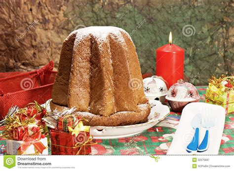 pandoro italian xmas cake royalty free stock photography