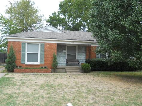 2127 plymouth dr n irving 75061 bank foreclosure