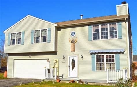 charming home tour cedar hill s city house town charming beach house close to sand hill homeaway galilee