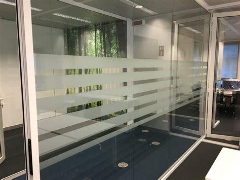 raamfolie expert d 233 raamfolie expert voor gebouw en auto merkx nl