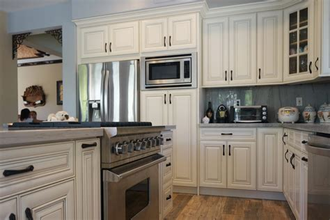 Antique White Rta Cabinets White Antique Kitchen Cabinets