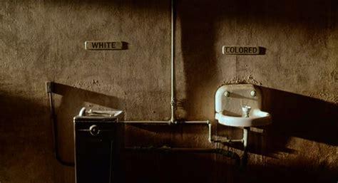 bagni bianchi e neri il di lele jandon the help lezione sulla