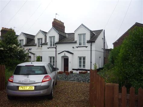 cottages in uk to rent 3 bedroom cottage to rent in railway cottages carrow road