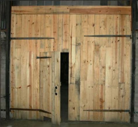 How To Build A Hinged Barn Door Best 25 Barn Door Hinges Ideas On Weld On Hinges Barn Doors And Pallet Door