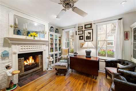 charming  house apartment   tiny treasure