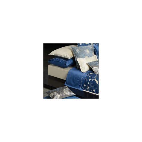 coussin 50x50 cm cr 232 me pour d 233 co de lit magnolia home concept