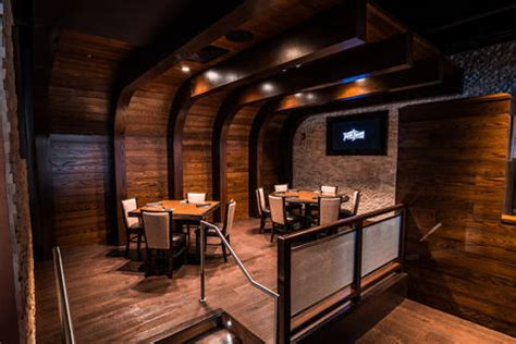 pour house chicago old town pour house opens in oak brook chicago tribune