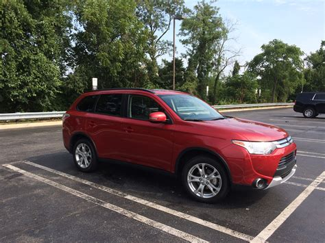 mitsubishi crossover 2015 2015 mitsubishi outlander se an affordable seven