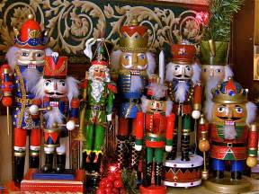 decorating king christmas nutcrackers for accessories
