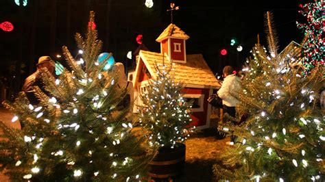 christmas shopping events light up freeport maine