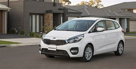 mpv car kia 2017 kia rondo pricing and specs refreshed mpv gets